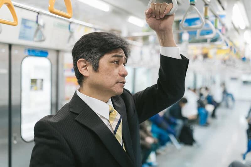 電車の中の上司